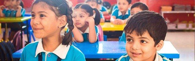 Ditunggu Orangtua | 3 Bahaya Menunggui Anak Ketika Sekolah